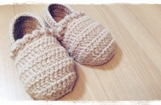 How to crochet a slippers (1/3) ルームシューズの編み方 by meetang